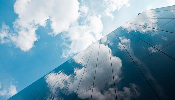 main-sky-clouds-reflection-on-building